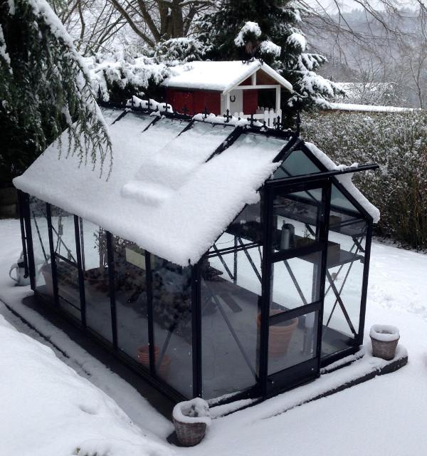 serre sous la neige - serre pour la montagne